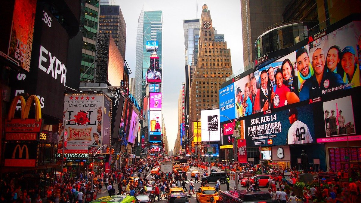 Bucket List: 15 Best Things To Do in Times Square, New York City