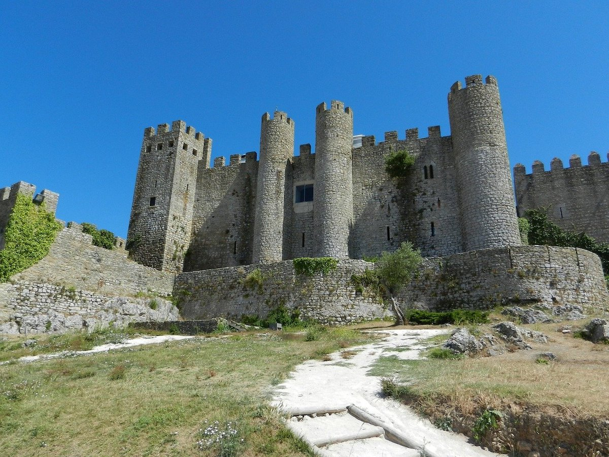 Bucket List: Top 15 Best Things to Do in Obidos, Portugal