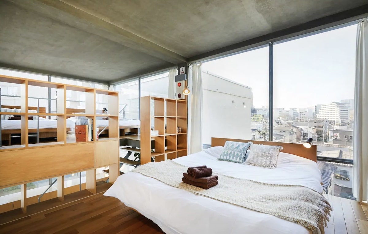 The Top 7 Best Airbnbs in Shinjuku, Japan